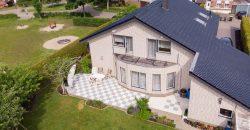 Luxuriöses modernes Wohnhaus